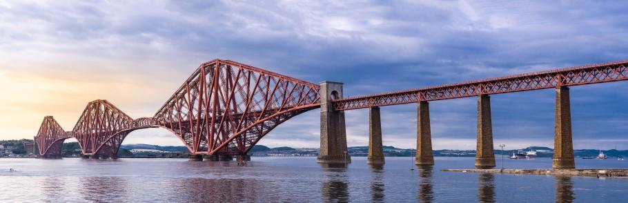 Image of the Forth Bridge in Scotland